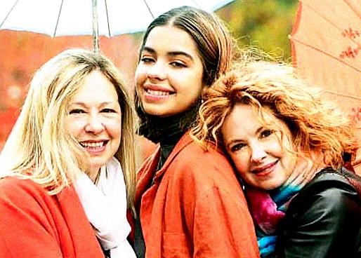 Andrea, Anna y Anabella en  Caras (12/06/2019)